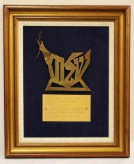 Jewish National Fund Shalom Award Presented to the Holocaust Survivors of Cincinnati, 1987