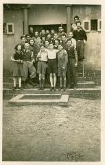 Photo Werner Coppel with other Students