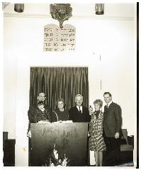 Jack Itkaff Kindling the Everlasting Light in the Chapel of the New Adath Israel Synagogue (Cincinnati, Ohio)