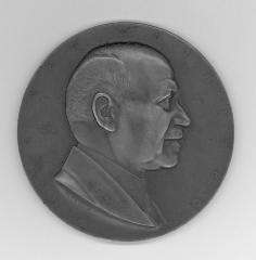 Carl Von Weinberg Medal